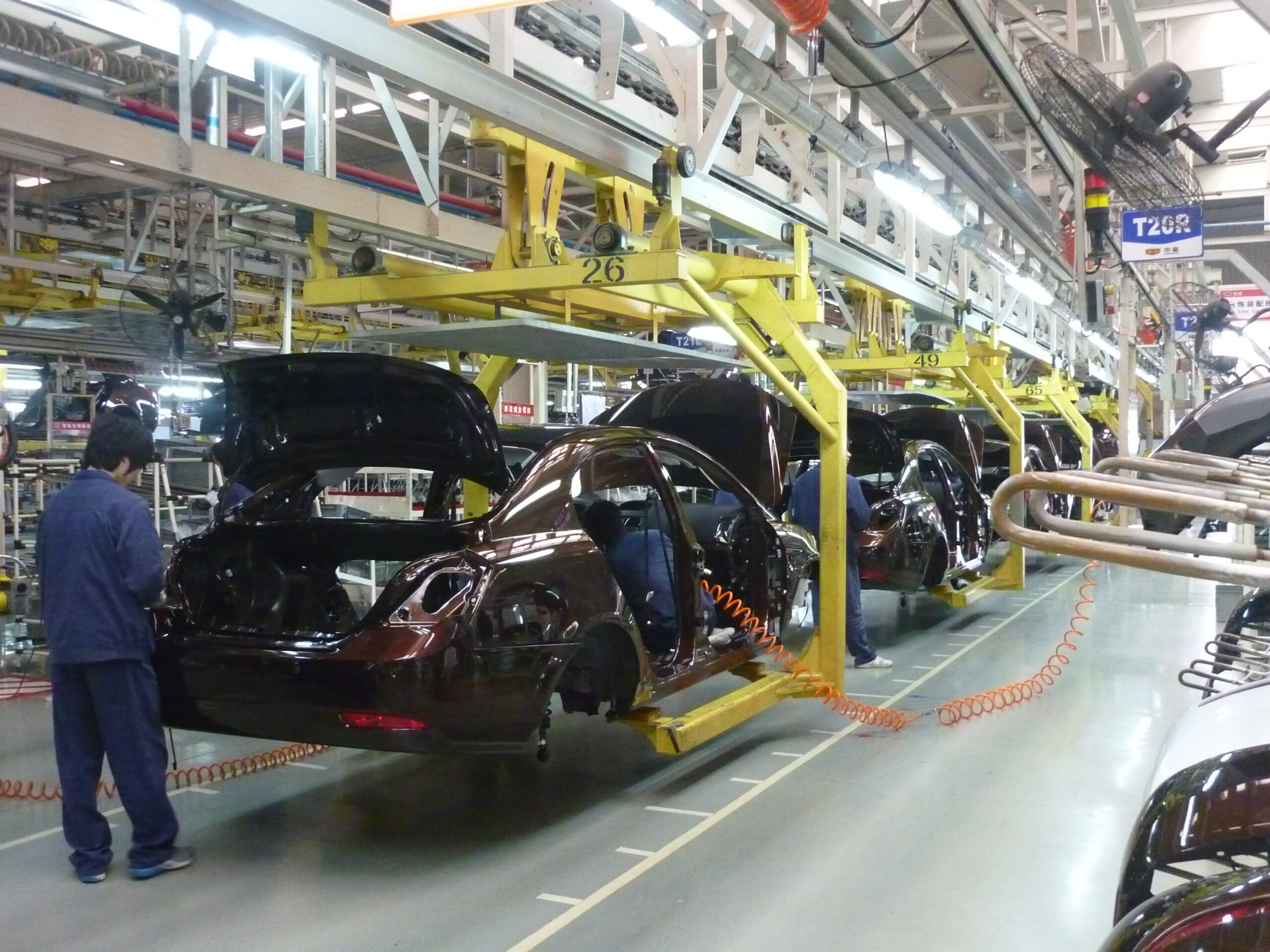 Automotive Industry Find New Applications of AI